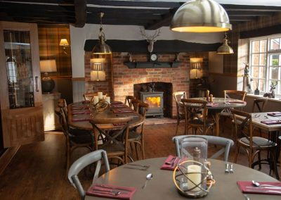 dining-room-crown-inn-derbyshire